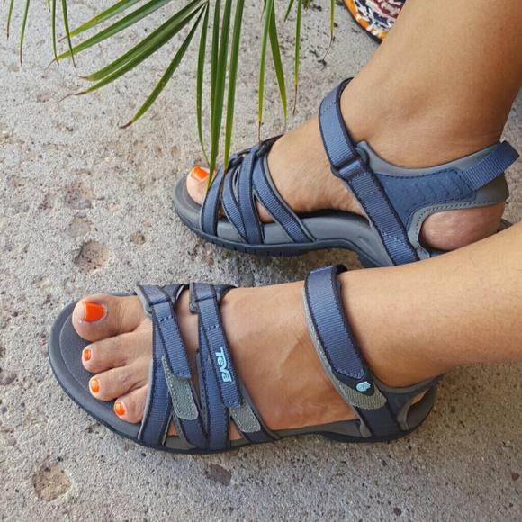 f509fa7b37a6fe NWOT Teva Tirra Women s Sandal. M 5b316bc4819e90a083cc79c2
